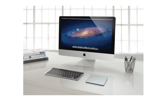 logitech un trackpad et un clavier compact pour mac. Black Bedroom Furniture Sets. Home Design Ideas