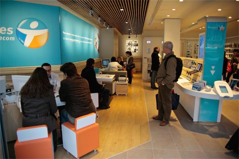 Les boutiques SFR et Bouygues sont souvent proches. Une crainte pour l'emploi selon Numericable